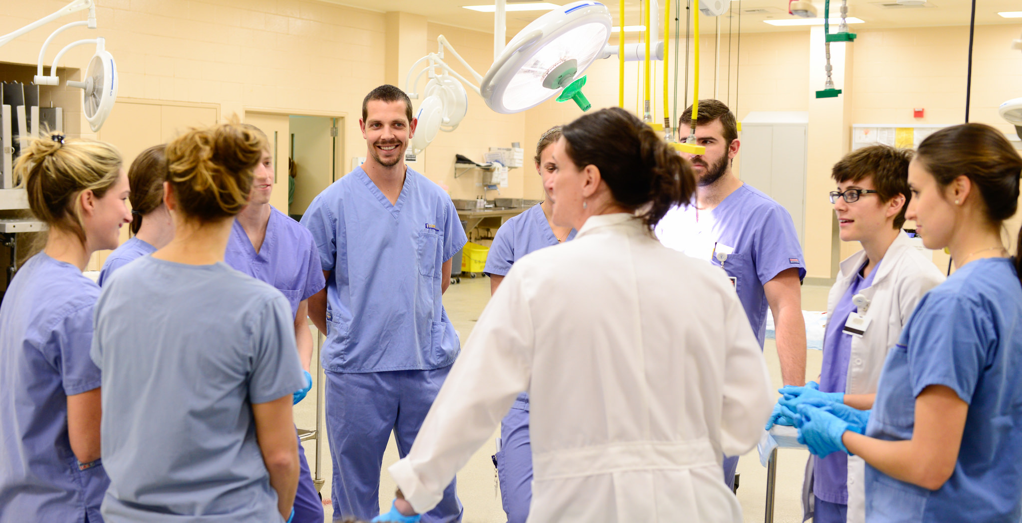 med students dating each other Avid is a course taken in addition to other classes where the students learn about postsecondary opportunities  and medical assisting each profession will be represented by 1-3 uw students .